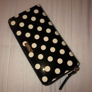 ✨BRAND NEW KATE SPADE POLKA DOT WALLET✨